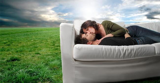 L'amore vive solo fuori dai luoghi comuni
