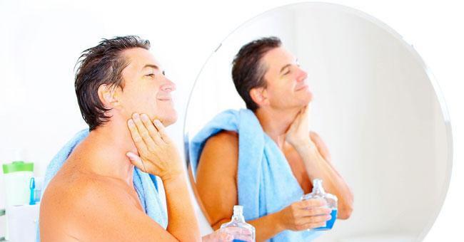 La cosmesi fai da te per la pelle dell'uomo