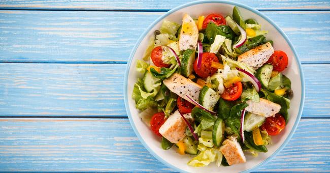 mangiare insalata brucia grassi