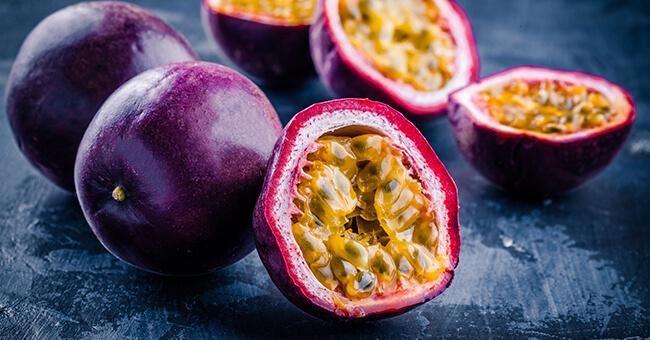 Passion fruit: proprietà e benefici del frutto più rilassante