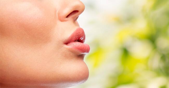 Labbra naturalmente splendide: ecco cosa fare