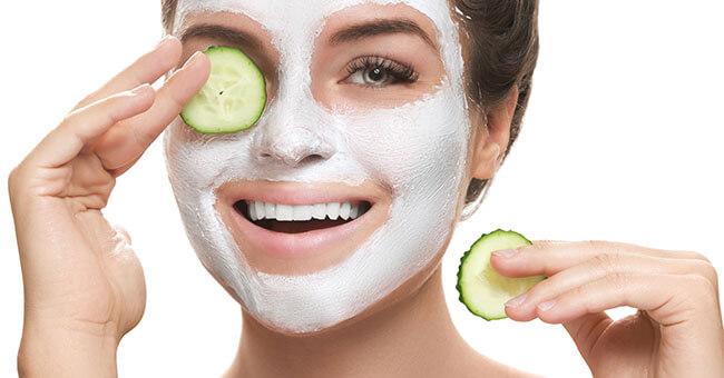 5 maschere naturali per idratare il viso