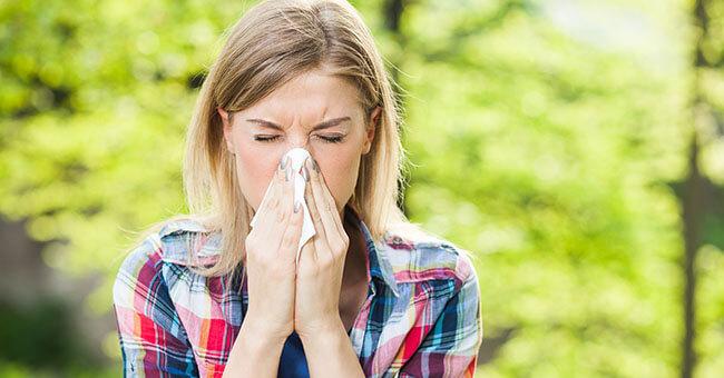 Allergia ai pollini: come proteggersi dagli allergeni
