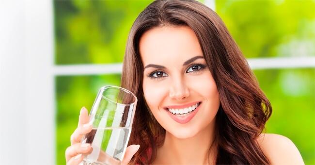 quale è meglio perdere peso bere acqua fredda o caldar