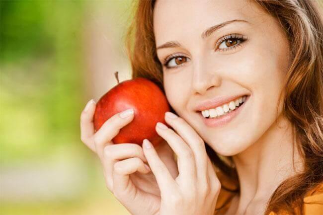 Colesterolo sotto controllo con le mele