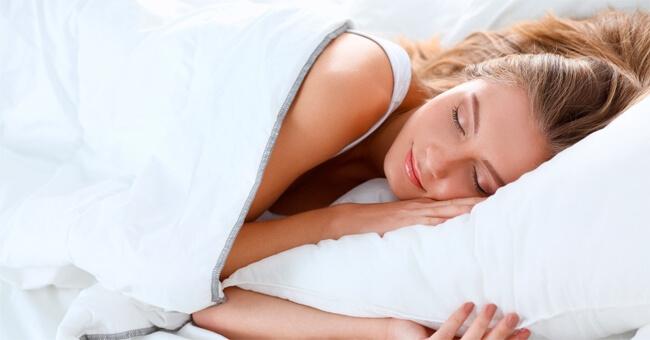 Ecco i cibi che favoriscono un buon sonno
