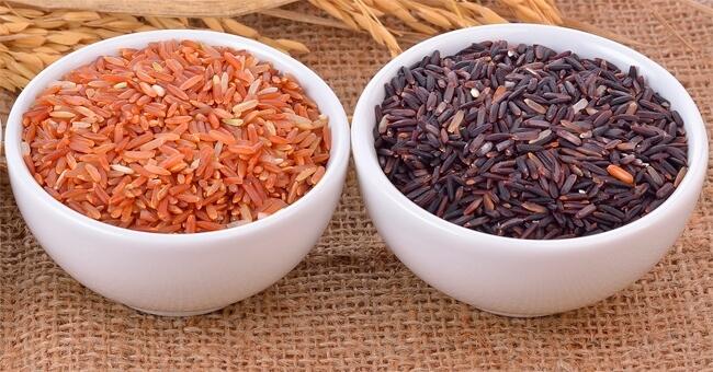 Il riso rosso e nero abbassano il colesterolo