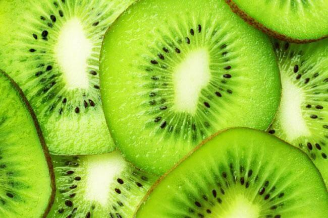 Le proprietà del kiwi e i benefici antinvecchiamento
