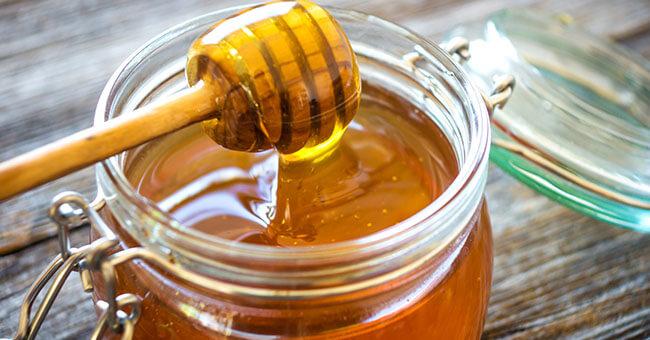 Miele, da quello per la gola al ricostituente naturale. Scegli quello che fa per te