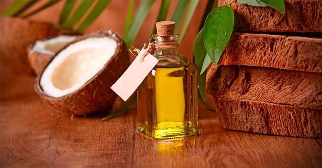 Olio di cocco, il condimento light anti colesterolo