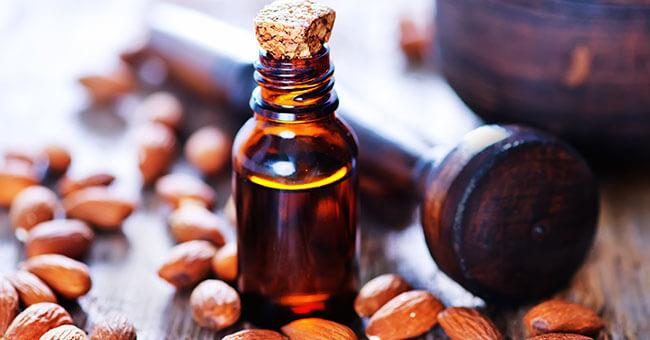 Olio di mandorle dolci: tutte le virtù terapeutiche