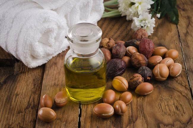 Rinnova pelle e capelli con l'olio di argan