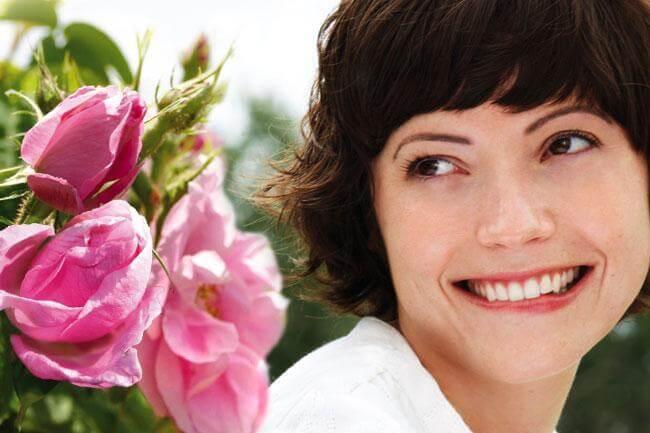 Rosa mosqueta e Rosa damascena: elisir di giovinezza per il viso