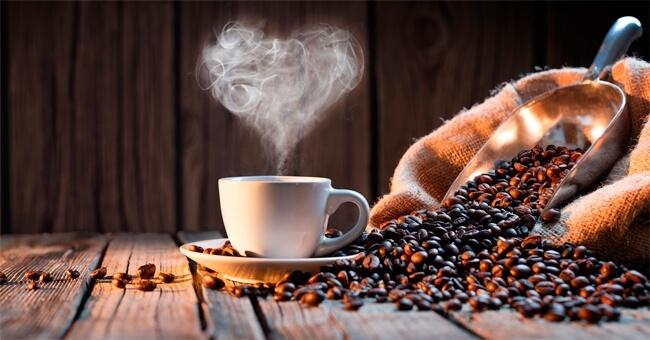 Tre caffè al giorno ti proteggono dalla demenza senile