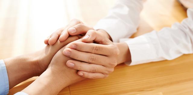 Aiutare chi soffre per amore è possibile?