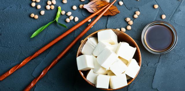 Il tofu fa bene: scopri tutti i suoi benefici e proprietà