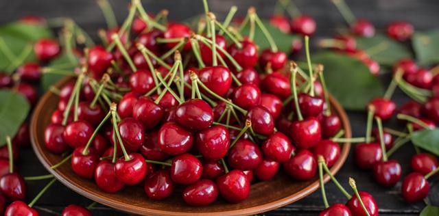 Ciliegie: scopri tutte le virtù di questi prodigiosi frutti