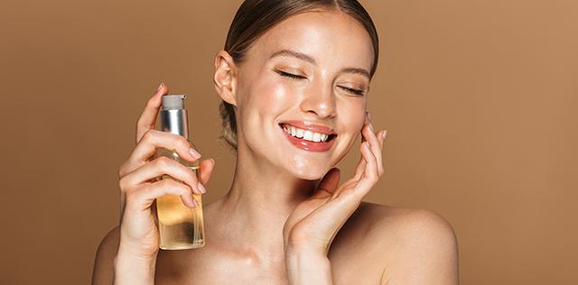 Macchie sul viso: ecco gli oli che le eliminano