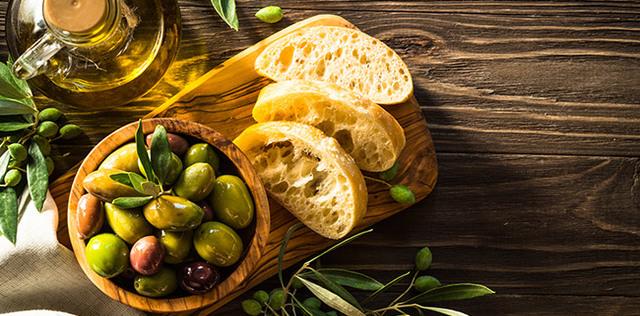 L'olio di oliva ci regala benessere e longevità