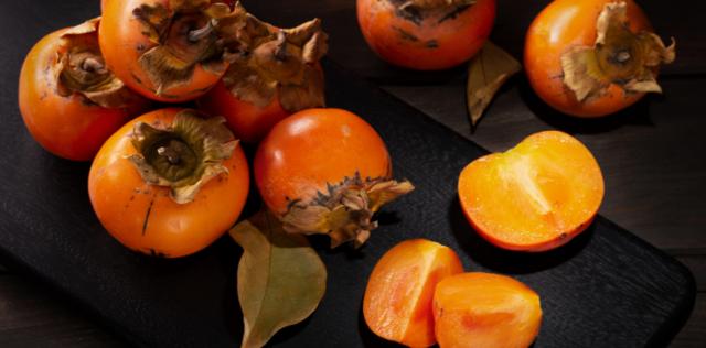 Cachi: proprietà, benefici e calorie