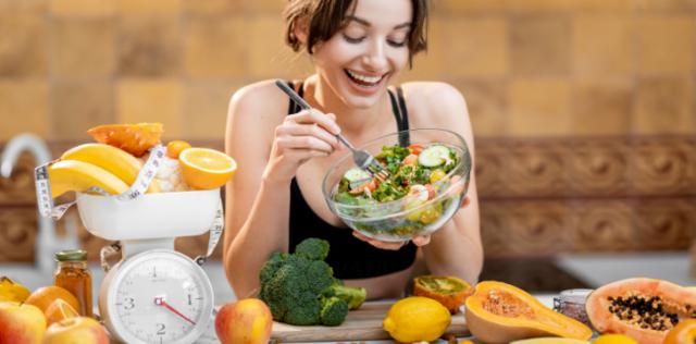 Sei in sovrappeso e vuoi dimagrire? Ecco le cinque regole snellenti