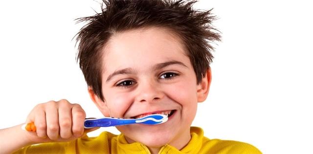 Denti più sani coi rimedi naturali