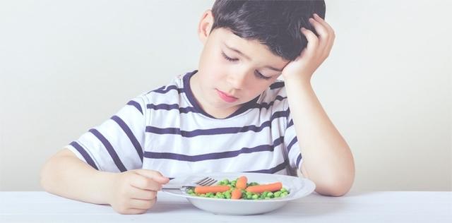 I trucchi per far mangiare i bambini inappetenti