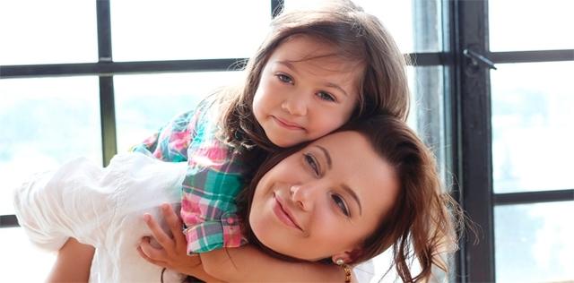 La mia bambina vuole sempre e solo me: che faccio?