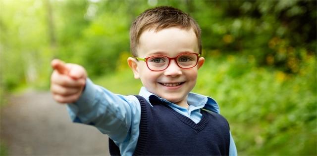 Miopia nei bambini: stare all'aria aperta ne ritarda la comparsa